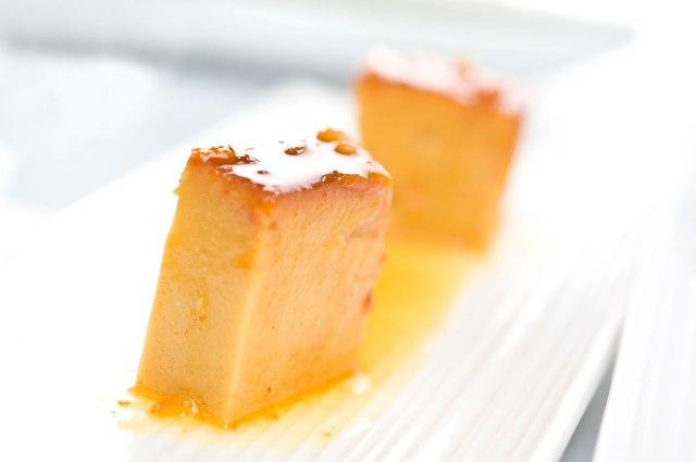0586-flan-de-turron-con-salsa-de-naranja-xl